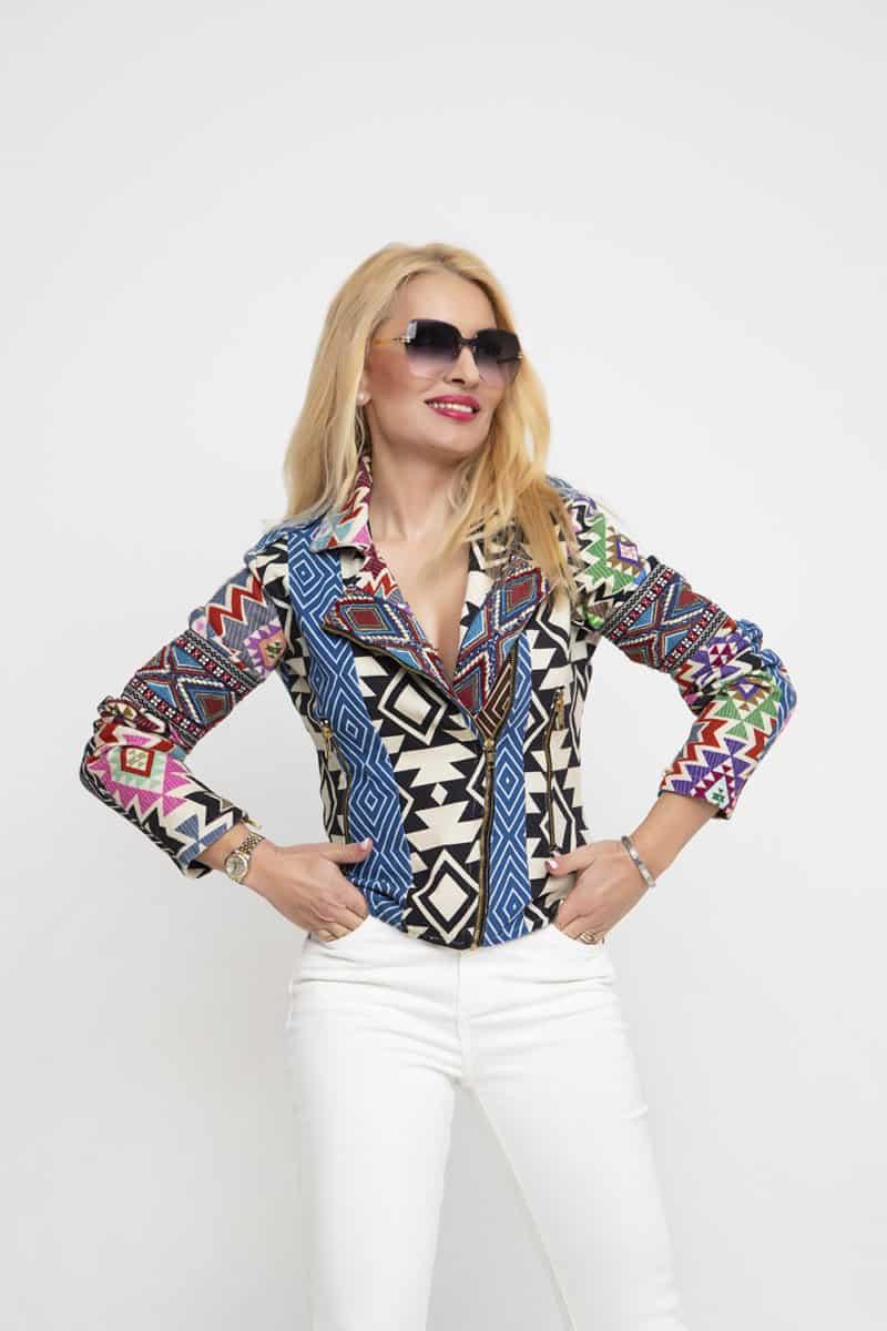 bd3a2e37c2eb Εντονα prints στα ρούχα με γεωμετρικά σχέδια και ζωντανά χρώματα είναι must  για φέτος Ανοιξη – Καλοκαίρι 2019!