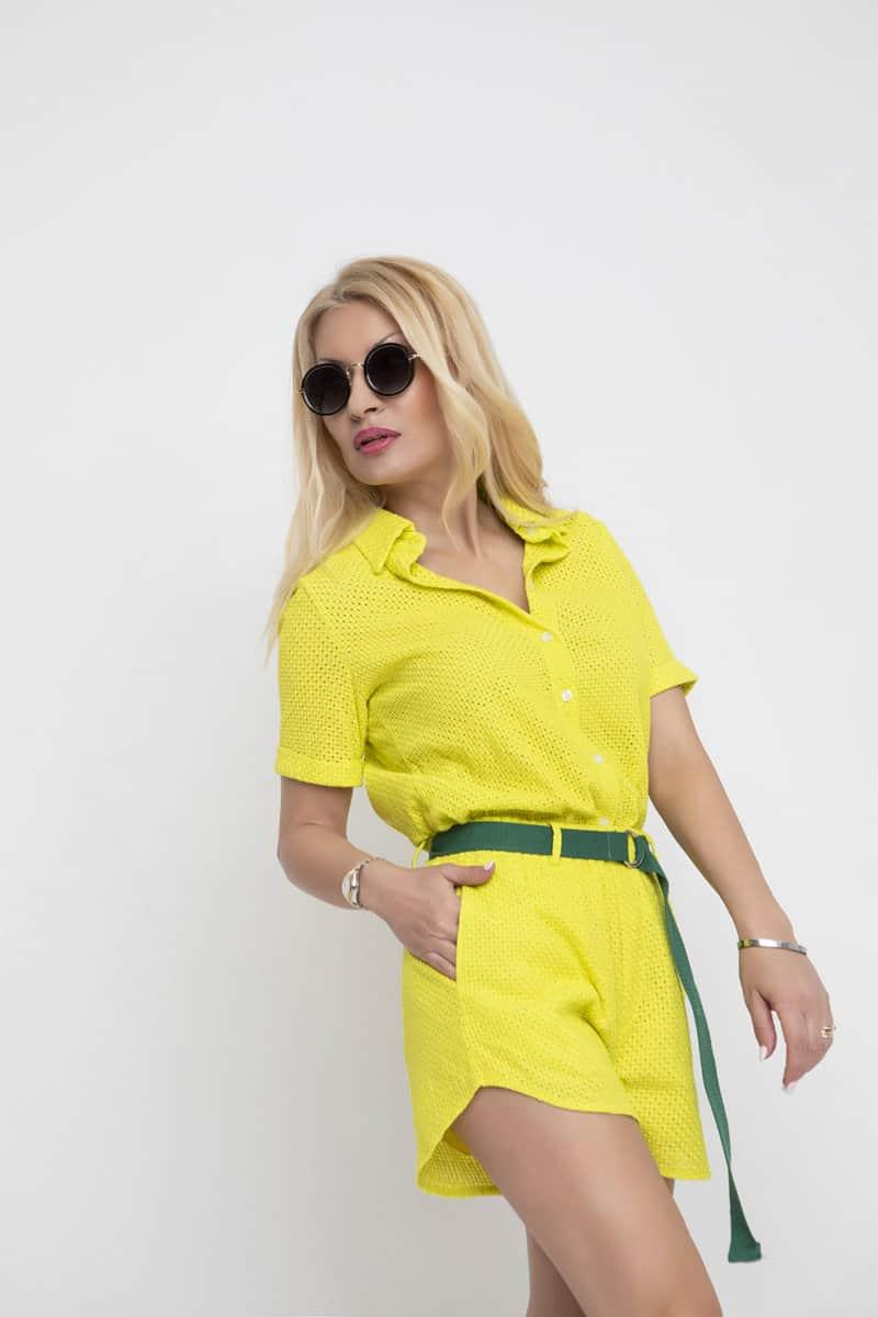 b0d1a7ee3318 Εντονα χρώματα , όπως το νέον και το κίτρινο κυριαρχούν ως fashion trends  Ανοιξη – Καλοκαίρι 2019 ! Μπορεί να μην είναι απο τα αγαπημένα μας χρώματα,  ...